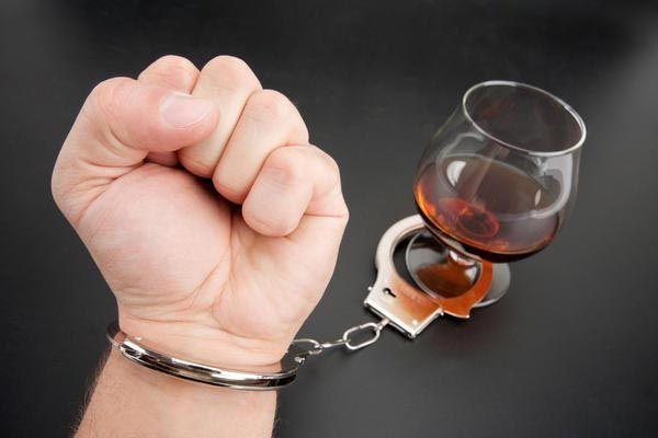 người nghiện rượu rất khó cai