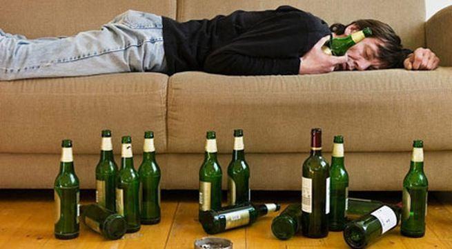 vì sao uống rượu lại bị đau đầu