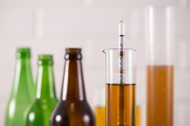 Nồng độ rượu càng cao càng ảnh hưởng tới sức khỏe.
