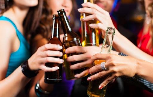 Với sự ra đời của máy lão hóa rượu Gipwin sẽ giảm bớt gánh nặng cho cơ thể mỗi khi bạn sử dụng rượu bia.