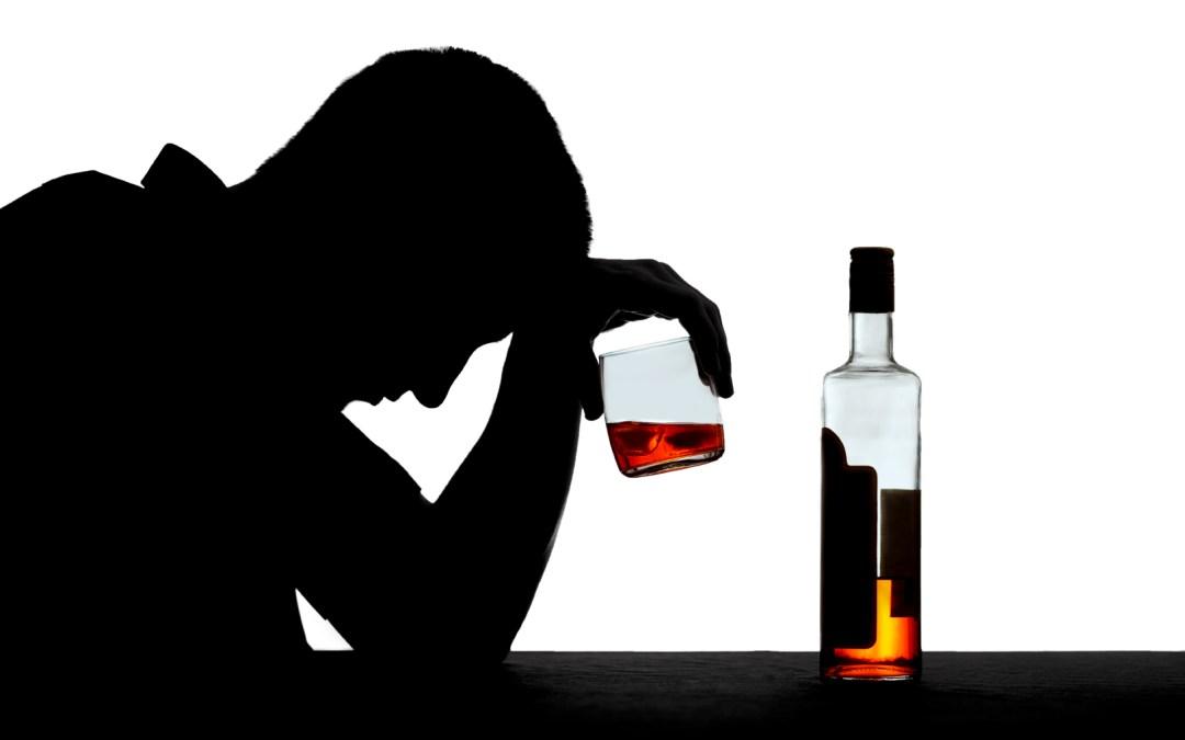 Uống rượu không đạt chuẩn sẽ khiến bạn đau đầu, mệt mỏi.